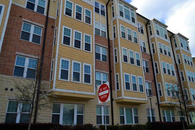 apartment-building-4717689_640